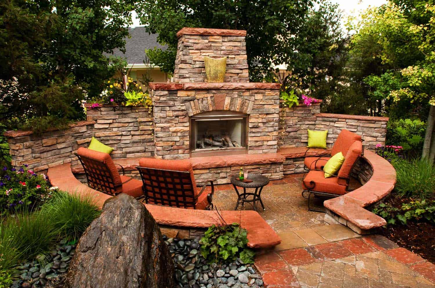30+ Irresistible outdoor fireplace ideas that will leave ... on Small Outdoor Fireplace Ideas id=71633