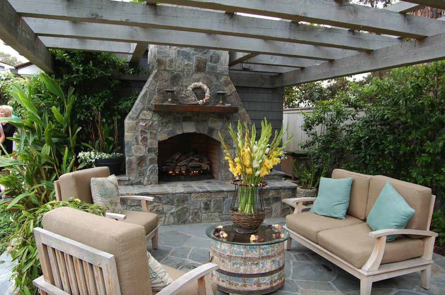 30+ Irresistible outdoor fireplace ideas that will leave ... on Small Outdoor Fireplace Ideas id=80832