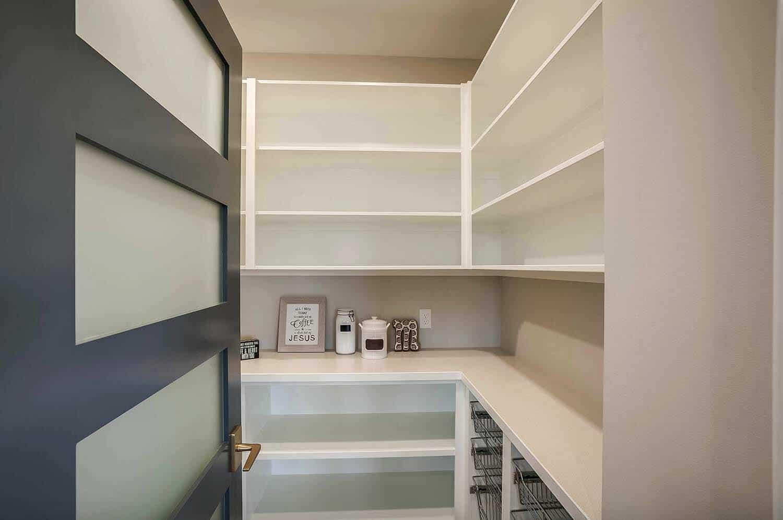 modern-farmhouse-pantry