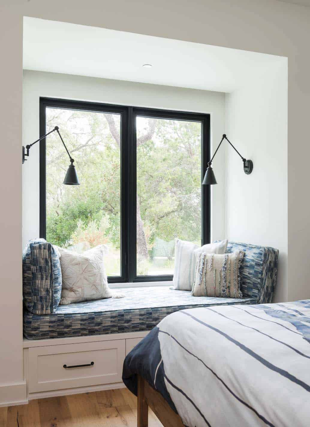 Modern farmhouse style in texas showcases fantastic design for Modern farmhouse bedroom