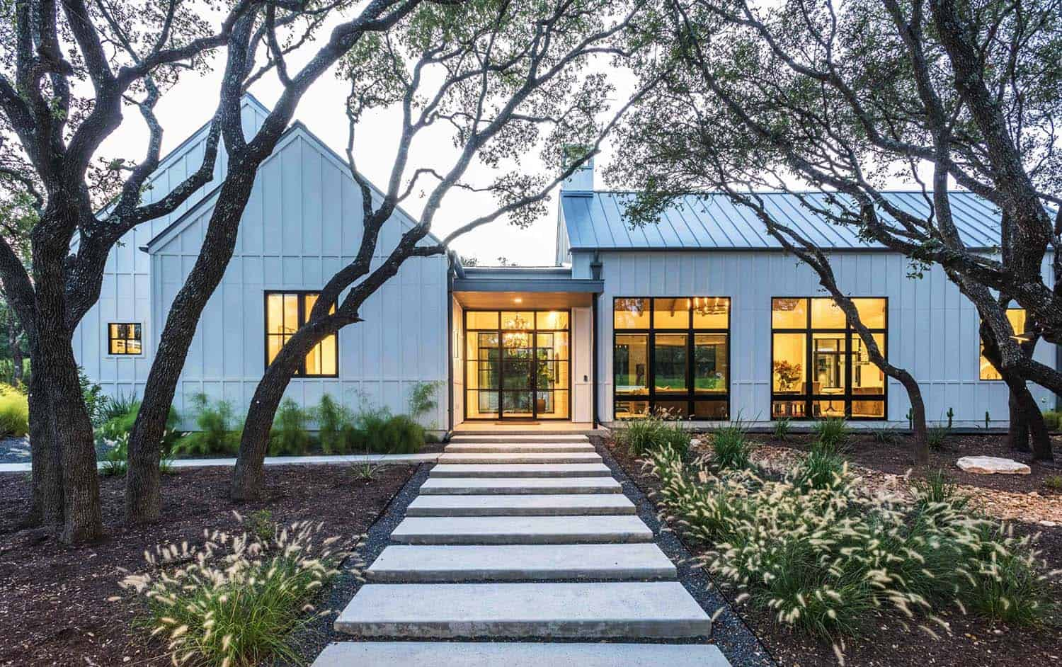 Modern Farmhouse Style In Texas Showcases Fantastic Design