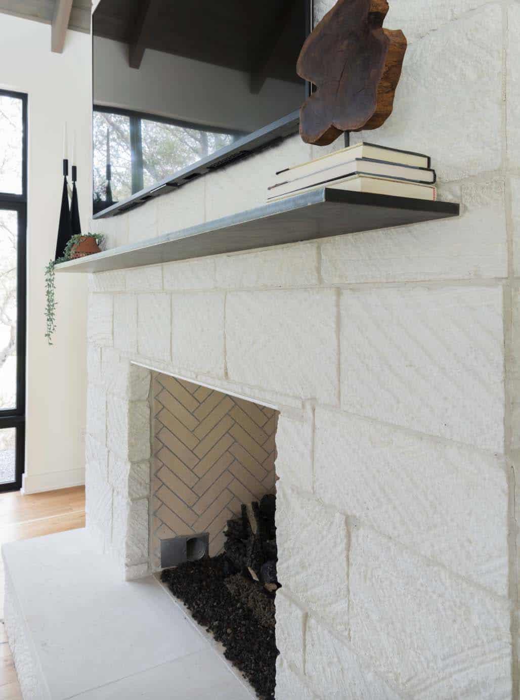 farmhouse-living-room-fireplace-detail