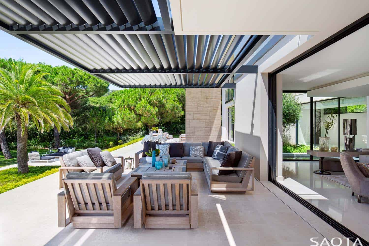 modern-outdoor-patio