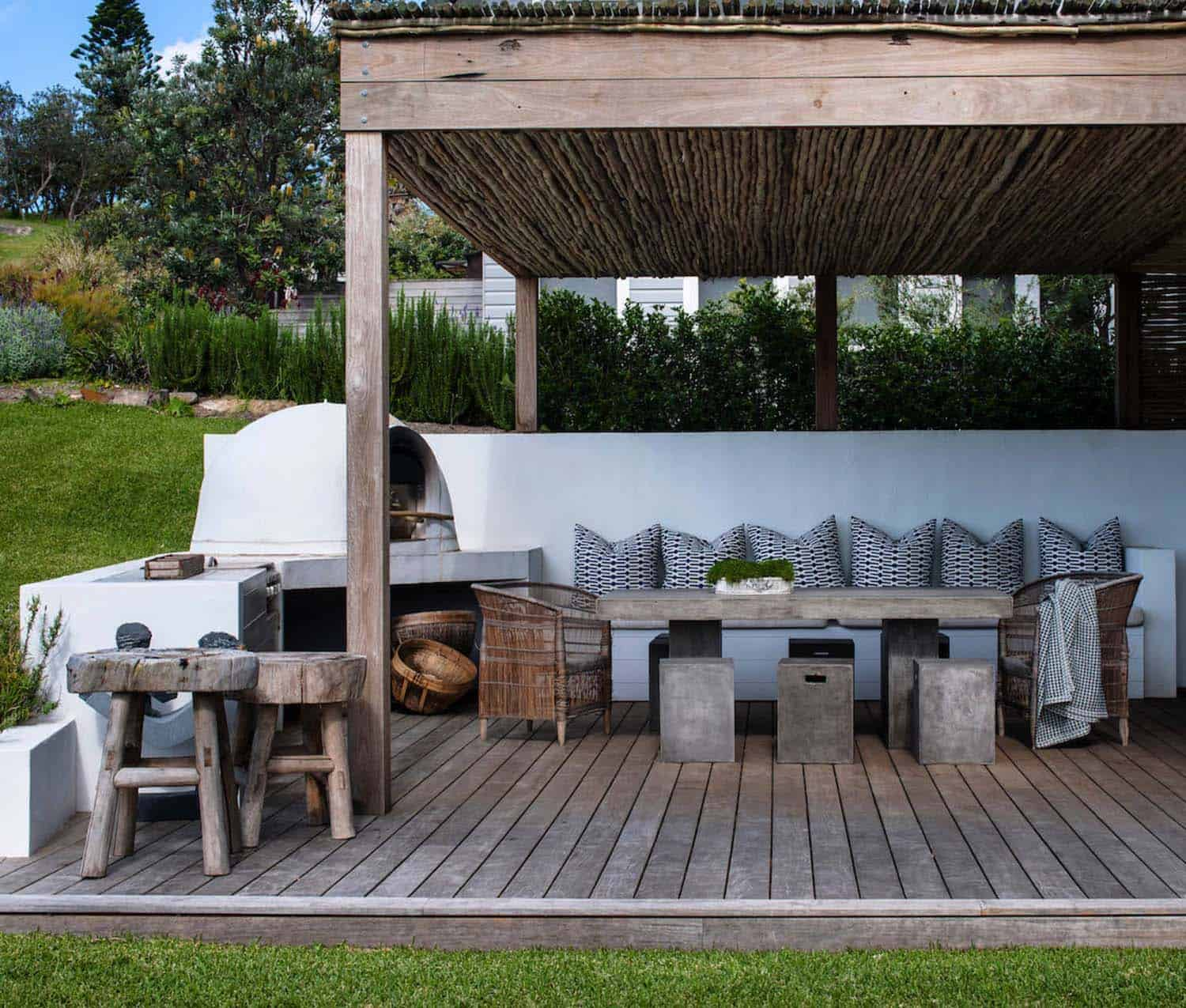 35 Brilliant And Inspiring Patio Ideas For Outdoor Living And Entertaining