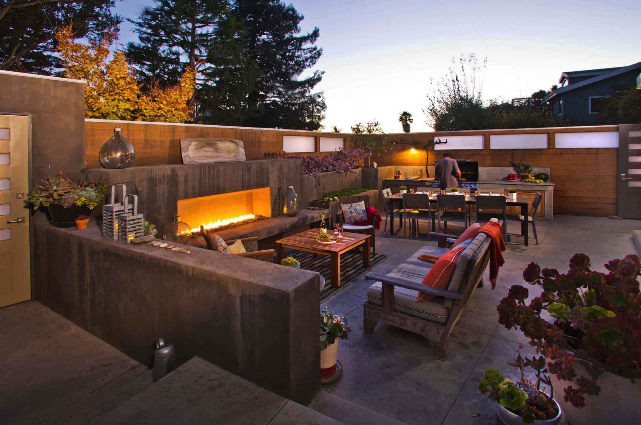 A Modern Outdoor Living Space In Seacliff Beach, California Features Areas  For Cooking, Eating And Entertaining. The Sofa Is From Smith And Hawkins.