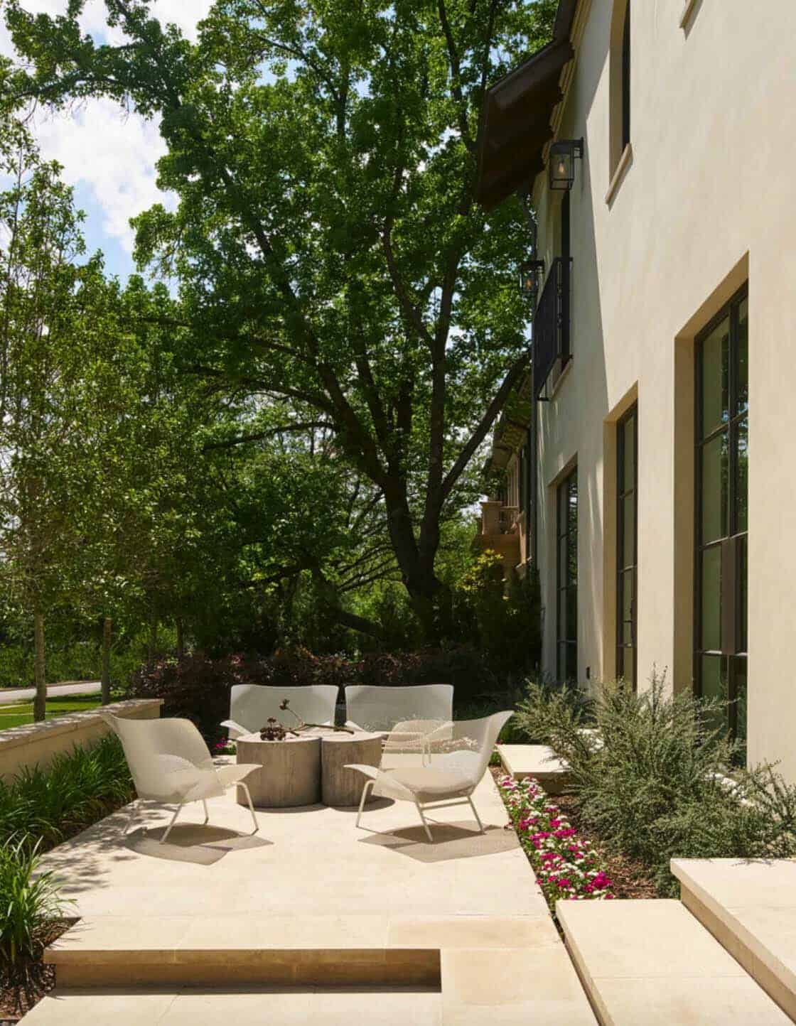 contemporary-patio