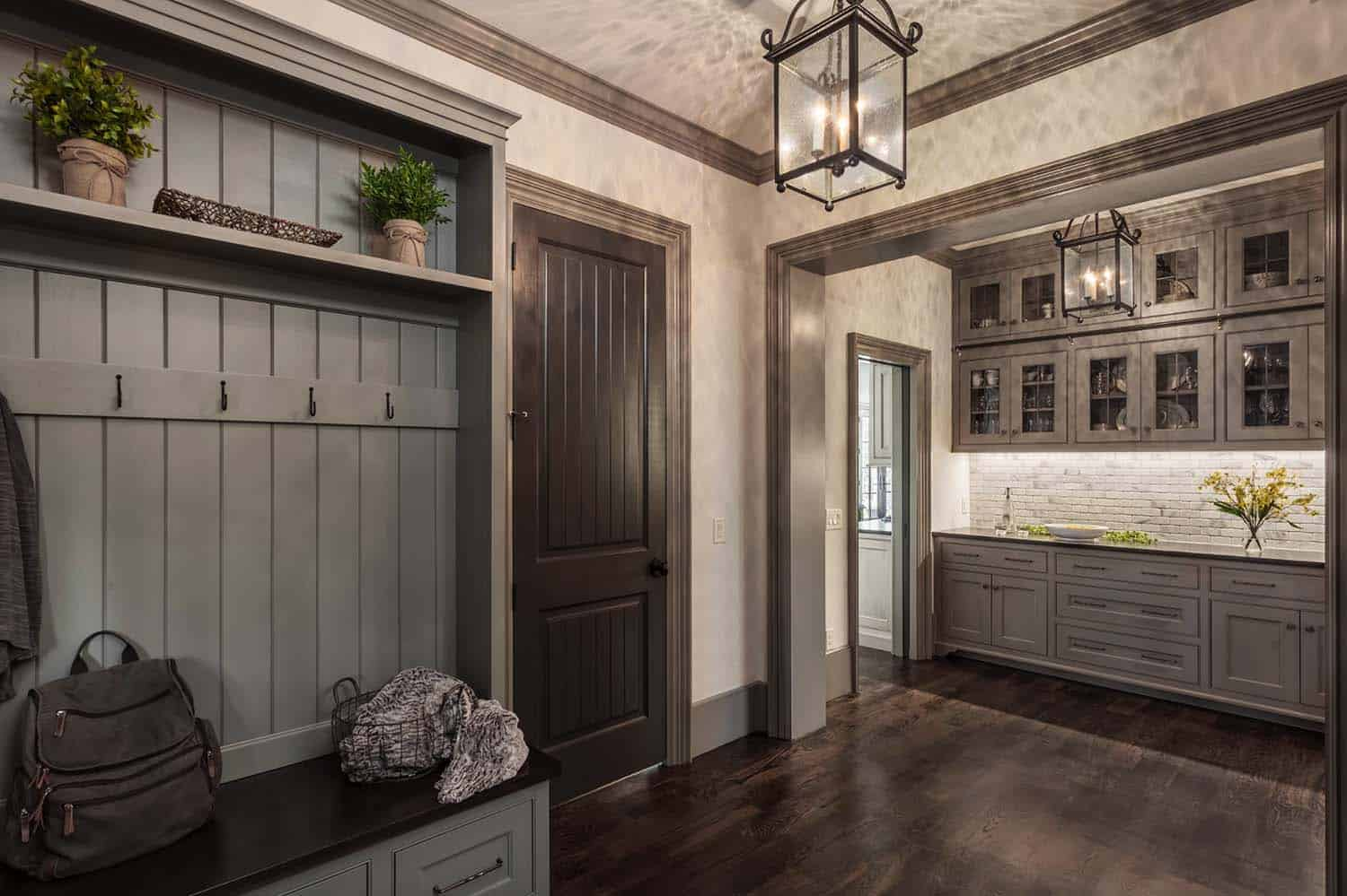 transitional-mudroom