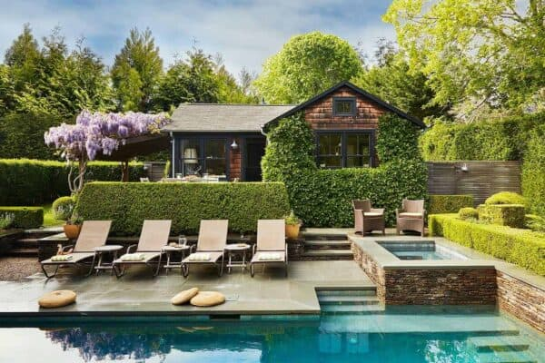 featured posts image for Small and charming beach style cottage getaway in Amagansett