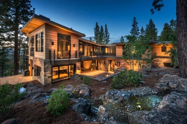featured posts image for Northern California mountain retreat displays impressive design details