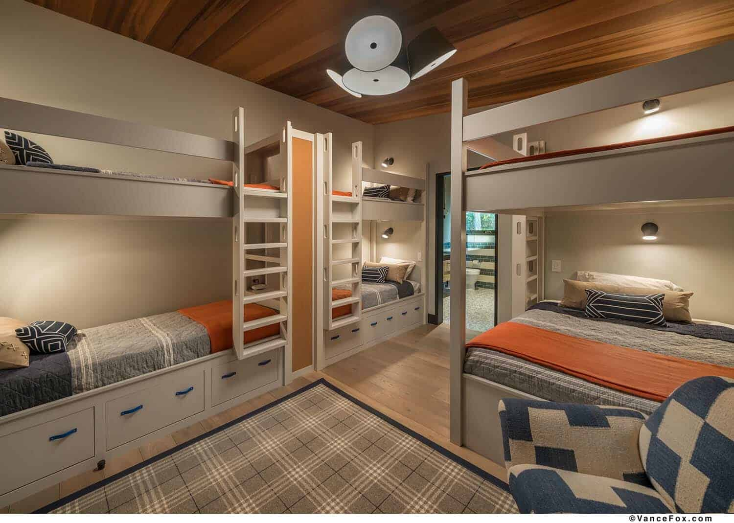 contemporary-kids-bunkroom