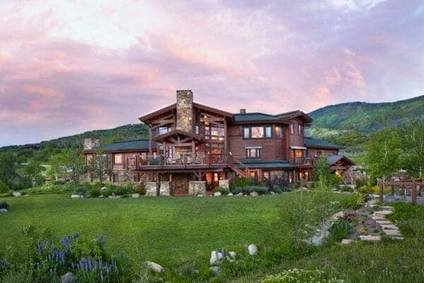 featured posts image for Warm and inviting ranch style home surrounded by beauty in Colorado