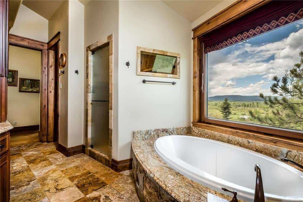 ranch-style-bathroom