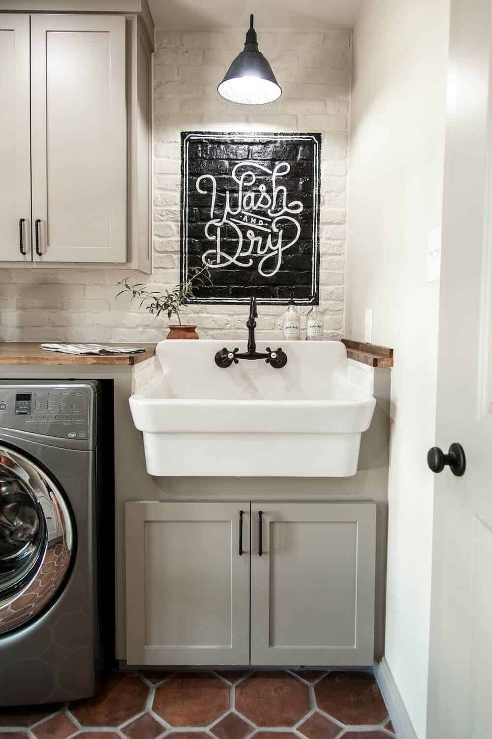 30 Unbelievably Inspiring Farmhouse Style Laundry Room Ideas