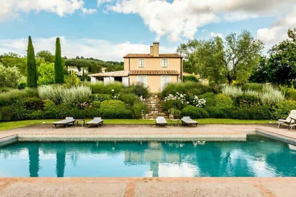 featured posts image for Fairytale stone house nestled into the breathtaking Tuscan countryside