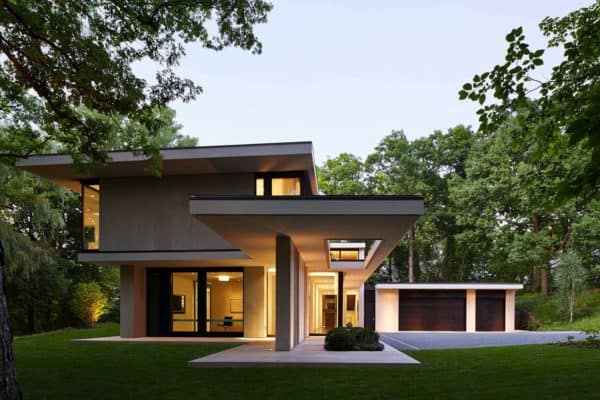 featured posts image for Striking modern home set in a deep ravine overlooking Lake Michigan
