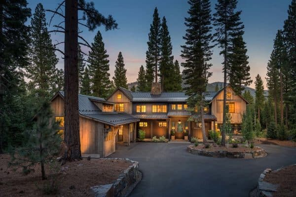featured posts image for Warm and cozy mountain style farmhouse nestled in the Sierra Nevadas