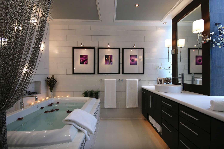 stylish-black-and-white-bathroom