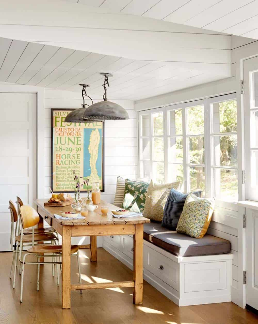 cottage-breakfast-nook