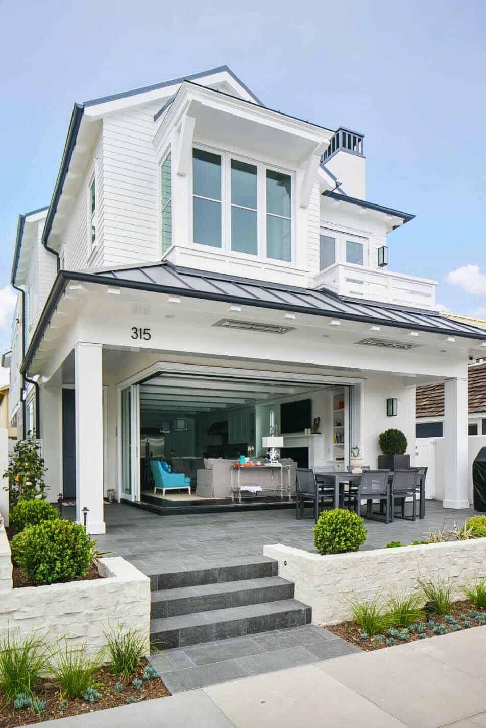California beach house boasts airy contemporary farmhouse style - What is farmhouse style ...