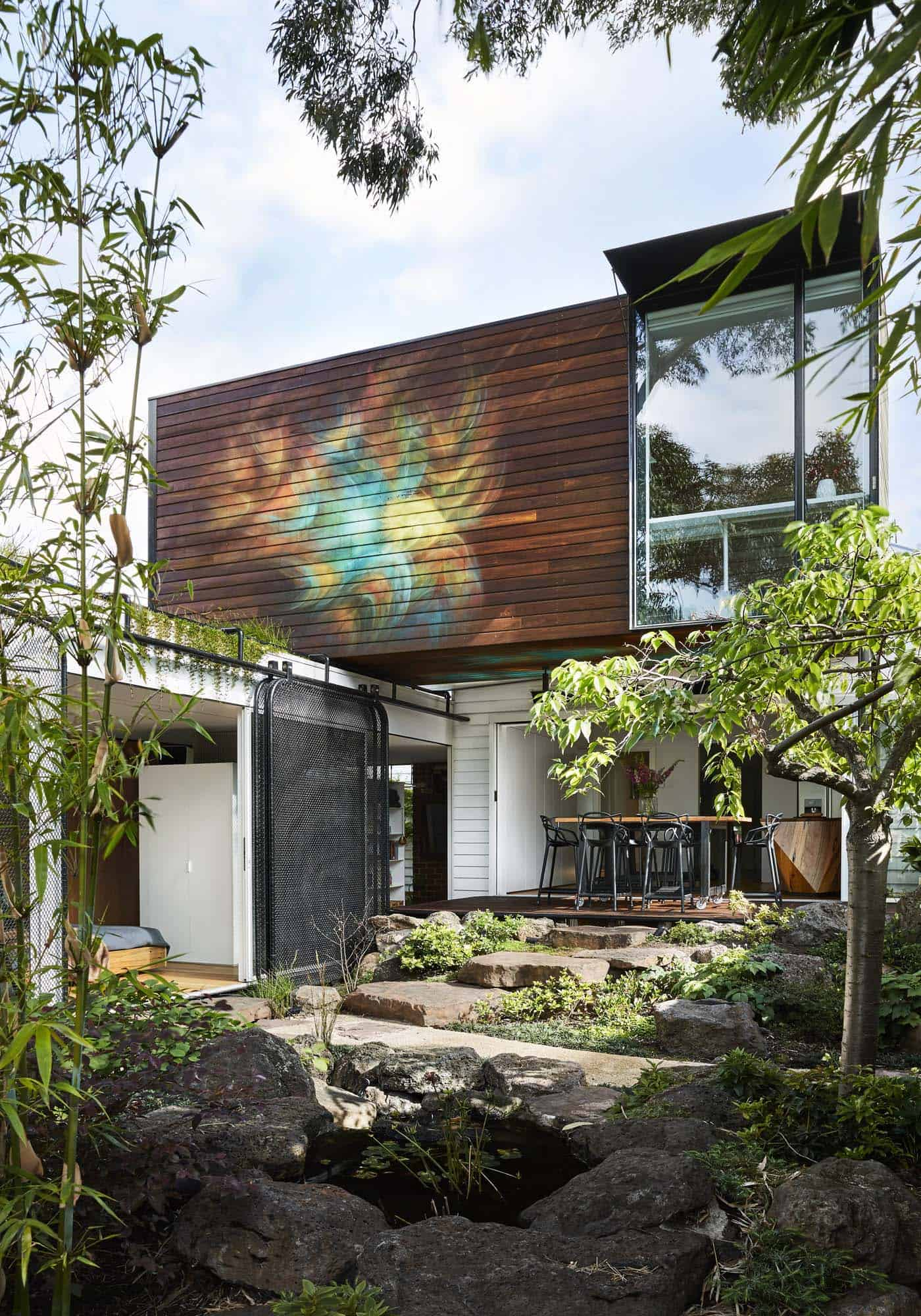 Weatherboard Cottage In Australia Provides An Amazing Live