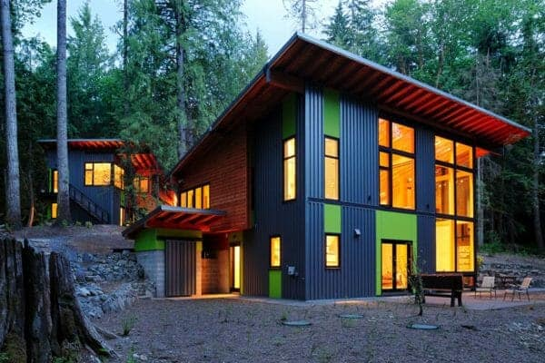 featured posts image for Sustainable forest retreat in Washington with light-filled interiors