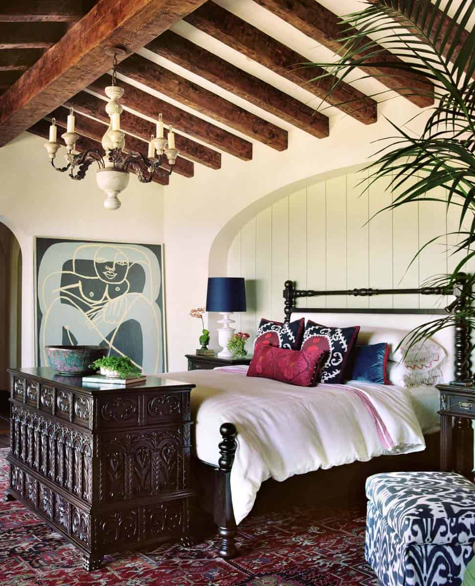 farmhouse-mediterranean-bedroom