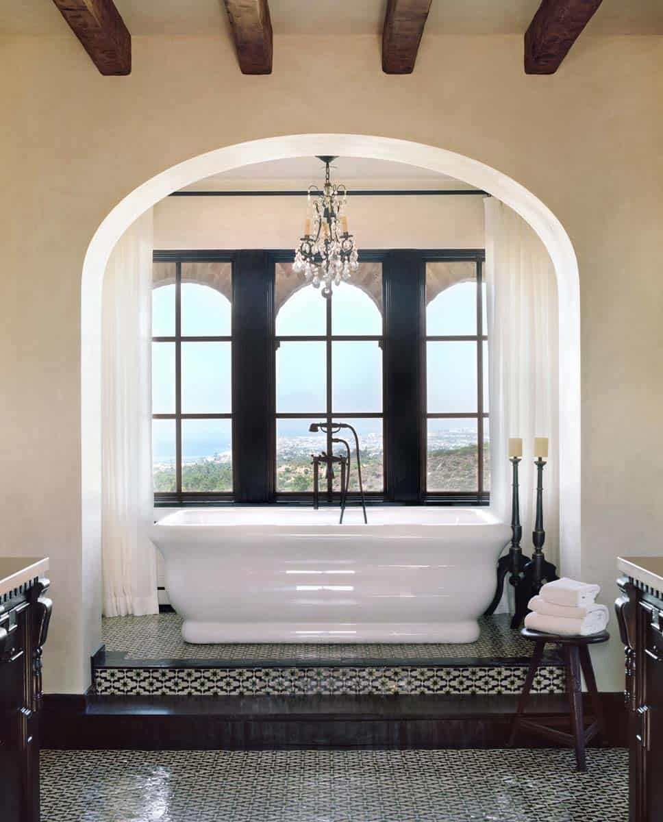 farmhouse-traditional-bathroom