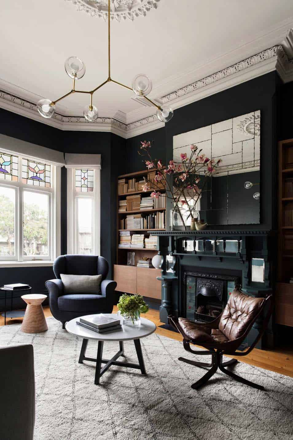 Pictures Of Interior Design Living Rooms: 28 Gorgeous Living Rooms With Black Walls That Create Cozy