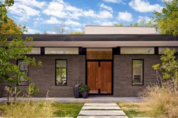 featured posts image for Midcentury modern home offers fabulous indoor-outdoor connection in Austin