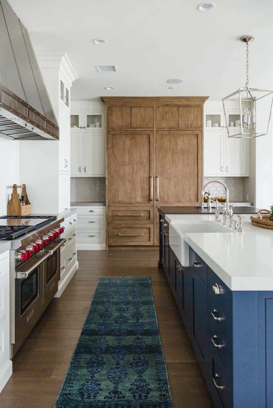 modern-farmhouse-beach-style-kitchen