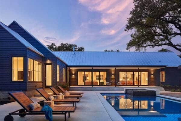 featured posts image for Bright and airy modern farmhouse inspired-residence in Texas