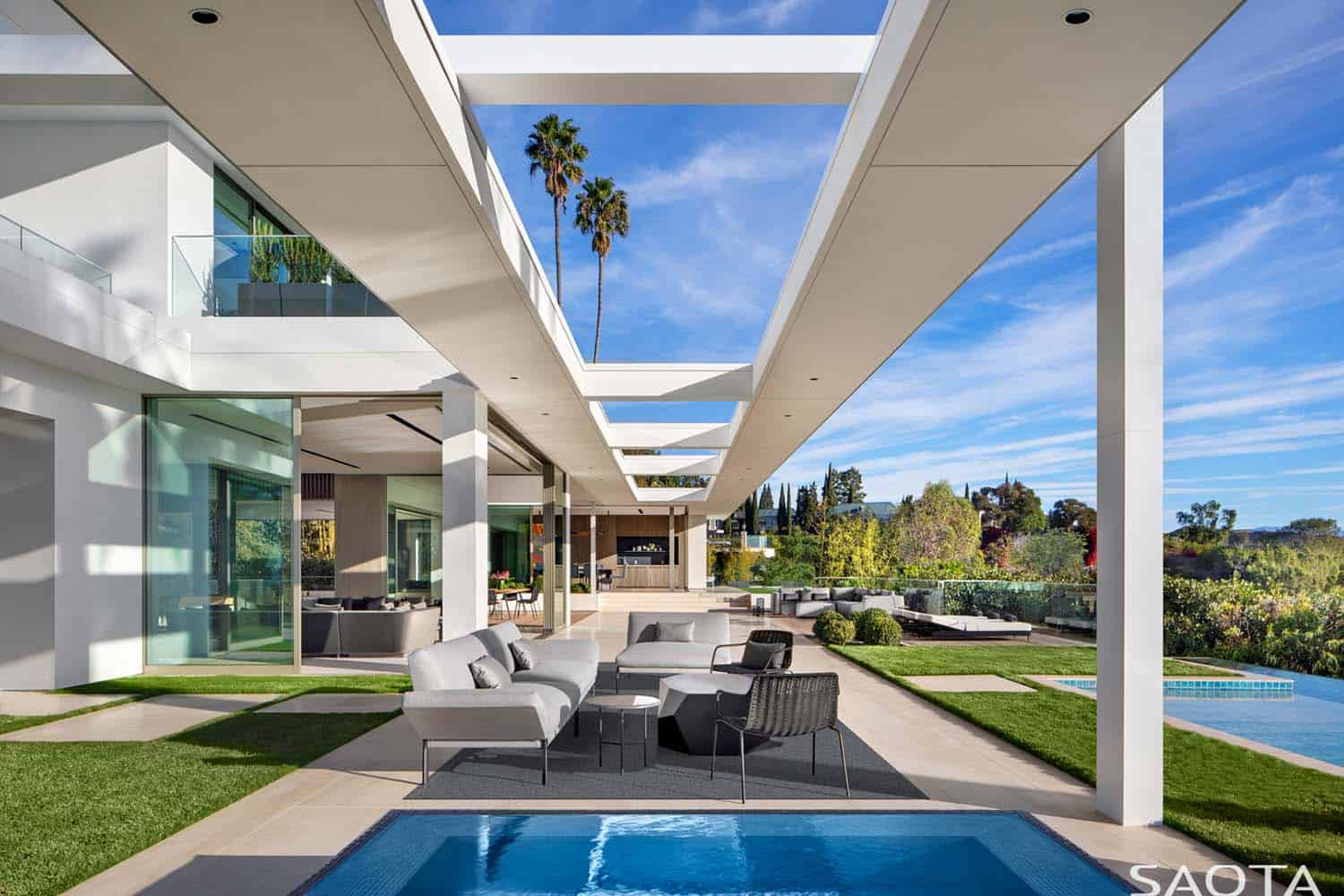modern-house-patio