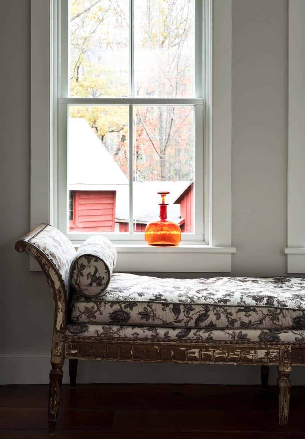 modern-farmhouse-window-seat