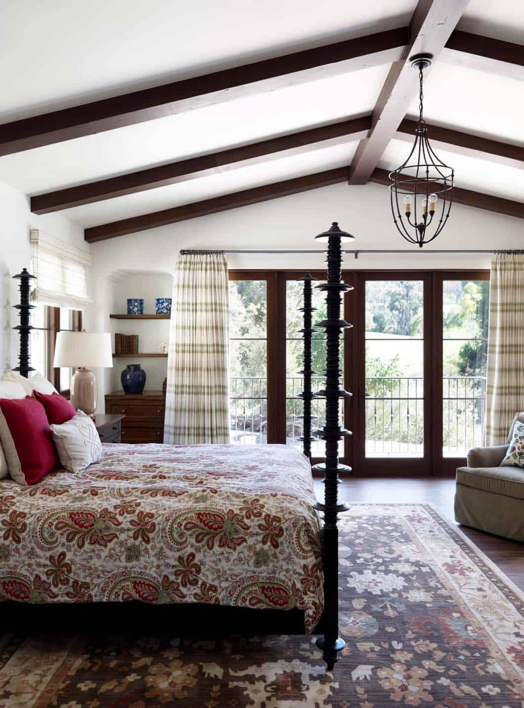 spanish-coastal-mediterranean-bedroom