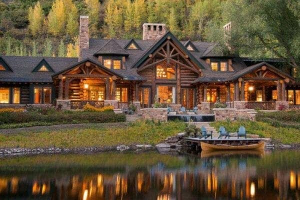 featured posts image for Highly inviting timber frame house in the beautiful Rocky Mountains