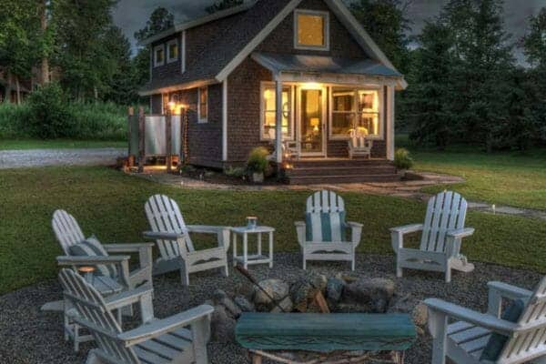 featured posts image for Idyllic lake house in Minnesota provides a welcoming respite