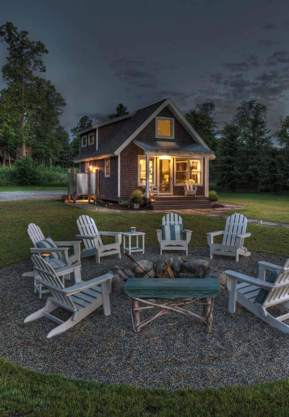 exterior-traditional-deck