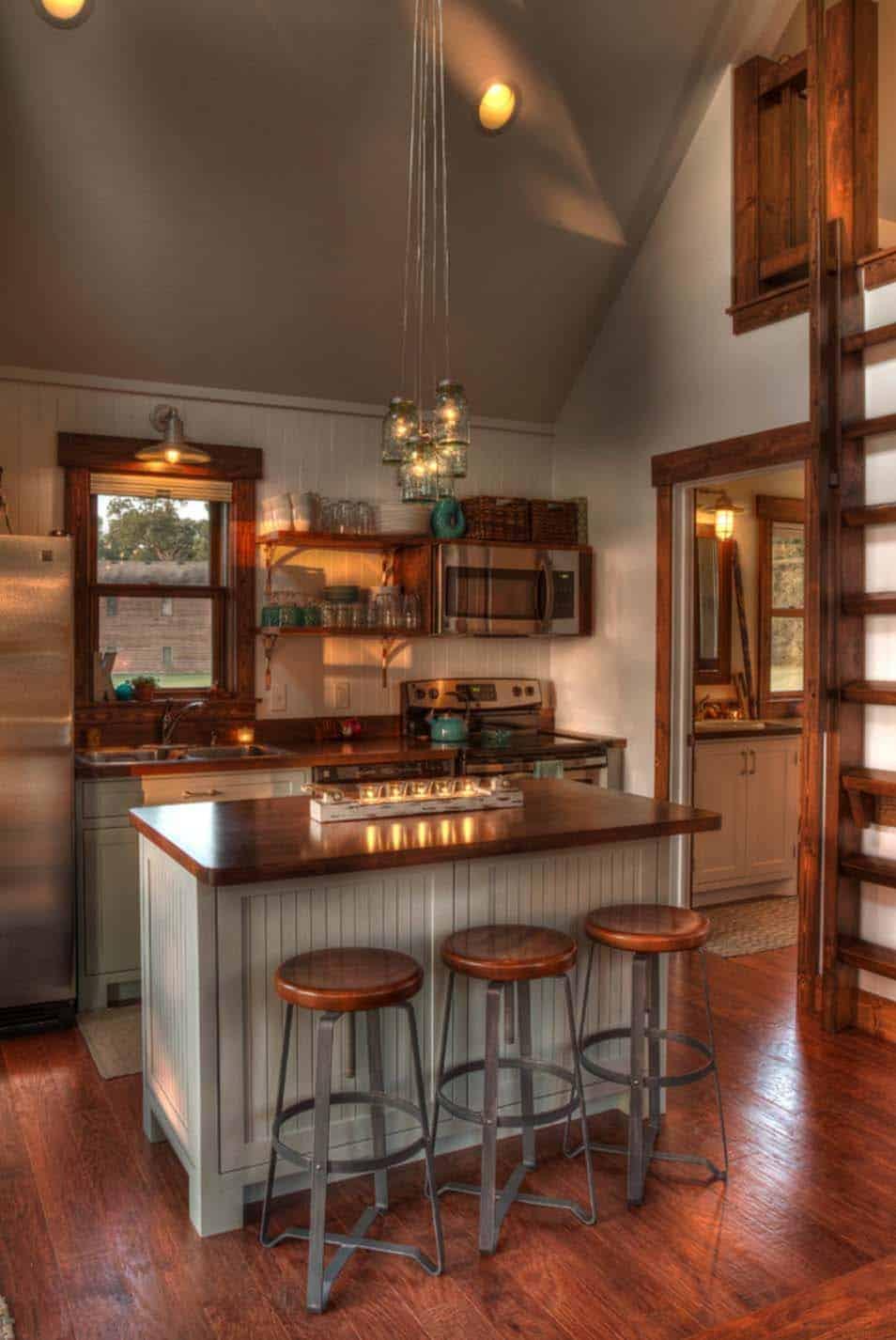 Idyllic Lake House In Minnesota Provides A Welcoming Respite