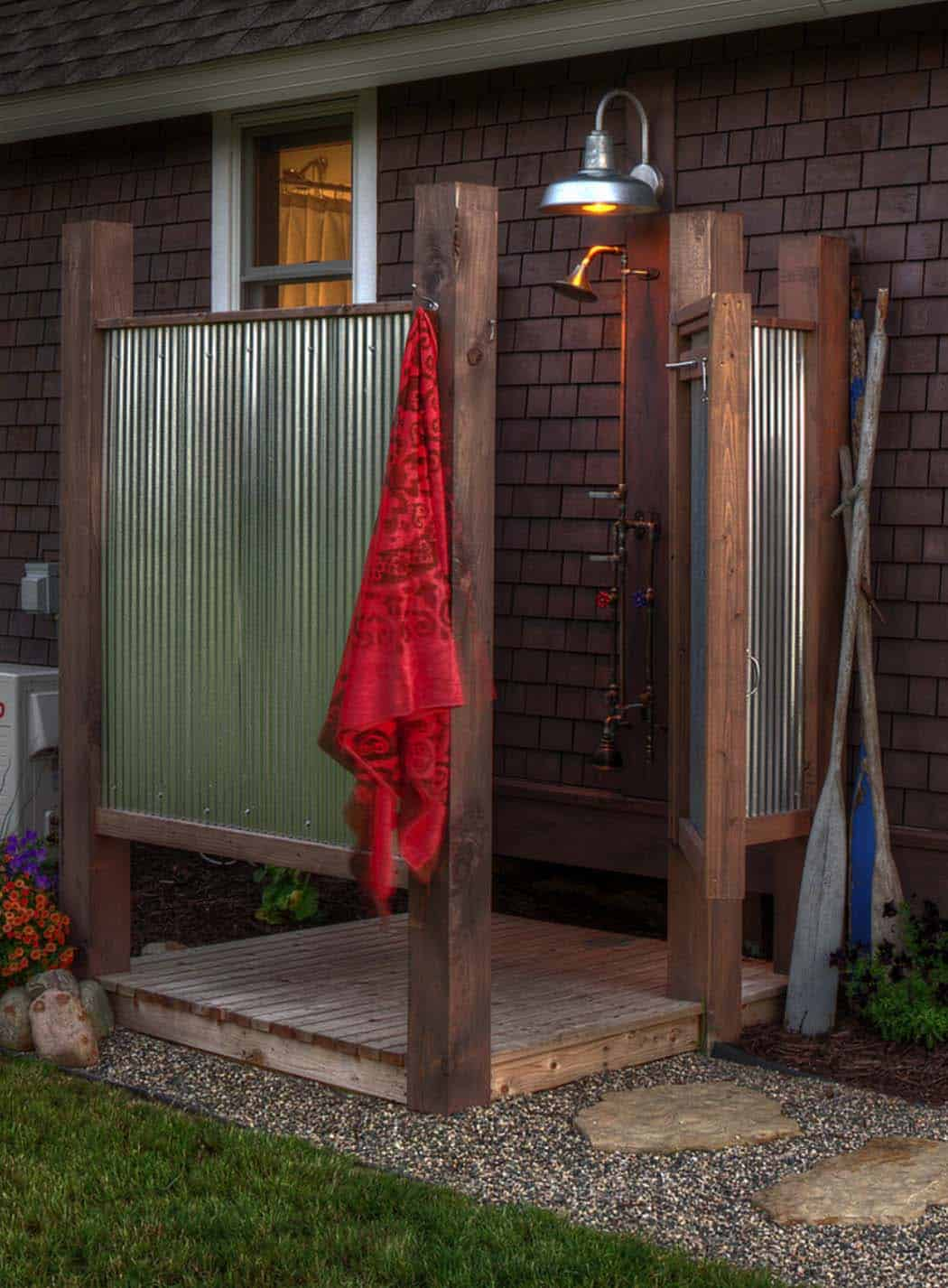 outdoor-shower-traditional-patio