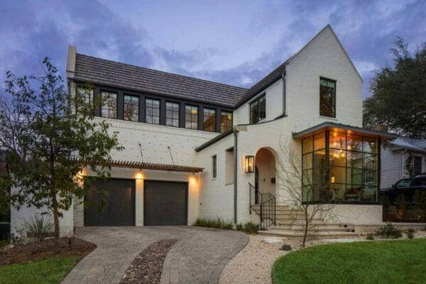 featured posts image for Texas dream home offers striking blend of modern and traditional design