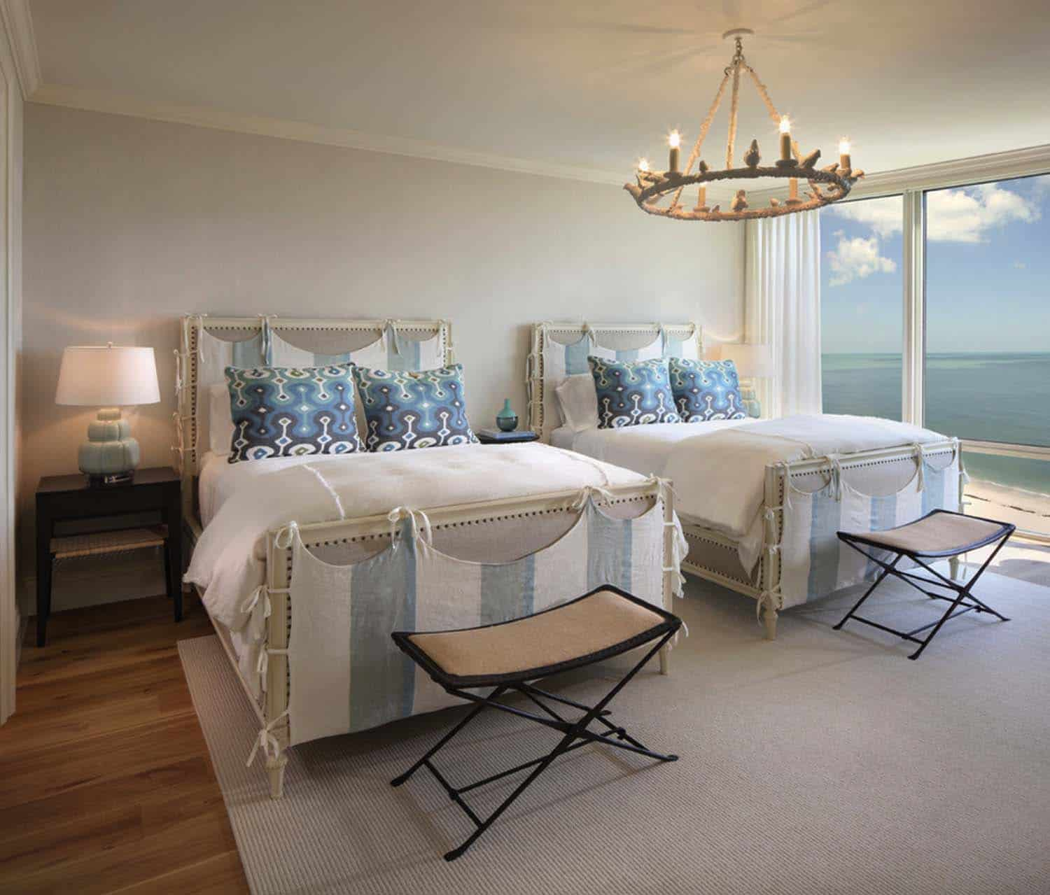 beach-style-bedroom