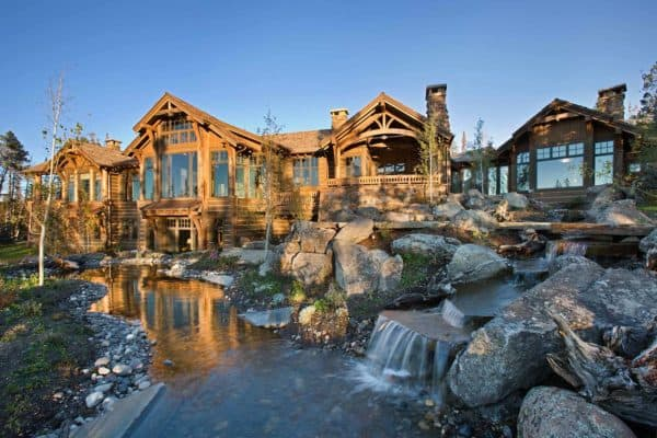 featured posts image for Beautiful rustic mountain retreat set amidst the grandeur of the Rocky Mountains