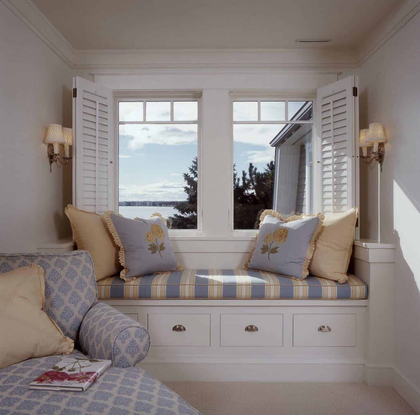 Incredible 33 Amazing Built In Window Seats Capturing Mesmerizing Ocean Unemploymentrelief Wooden Chair Designs For Living Room Unemploymentrelieforg