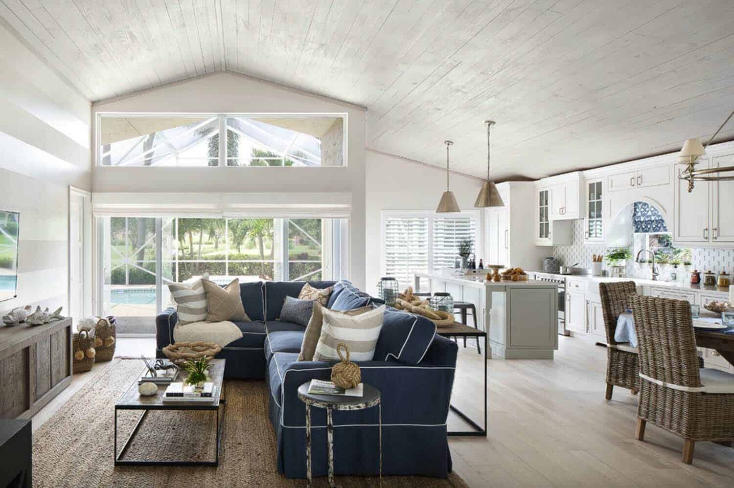 Cozy seaside cottage offers breezy beach style living in florida - Beach style living room ...