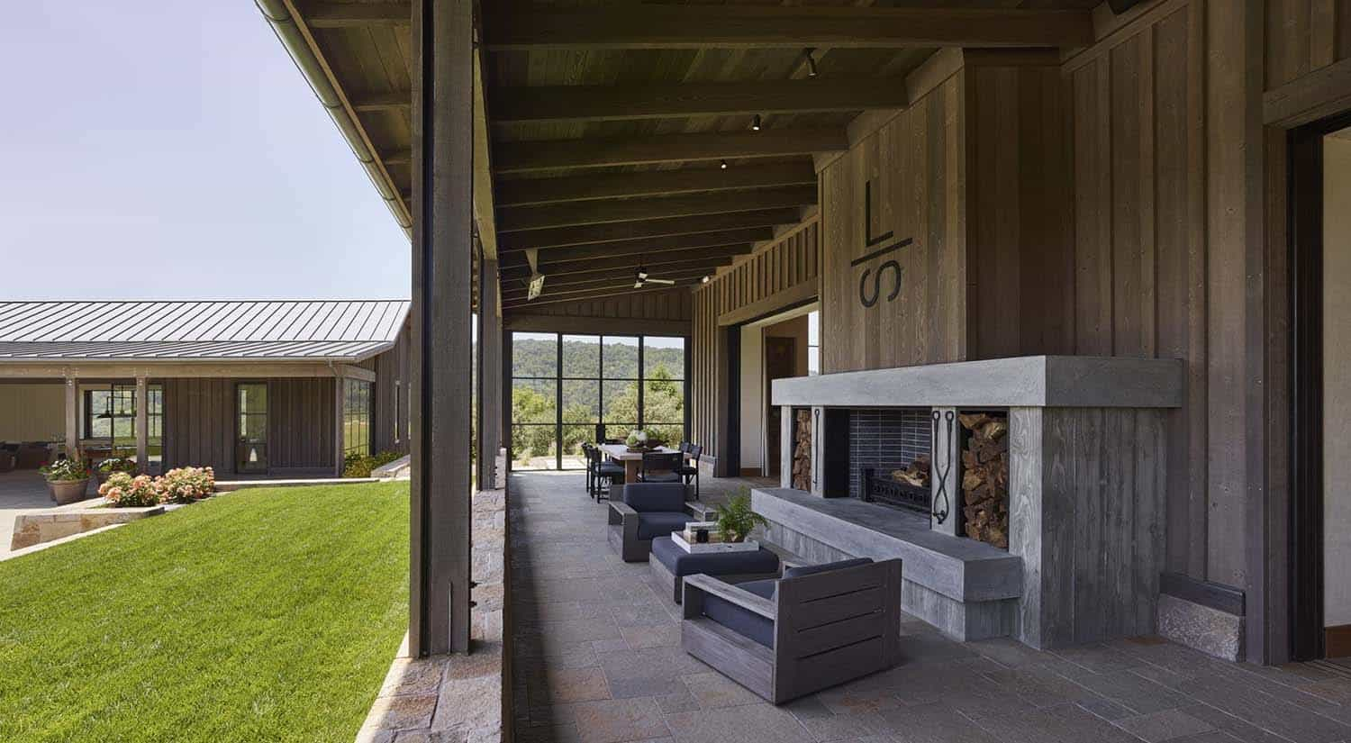ranch-house-outdoor-living