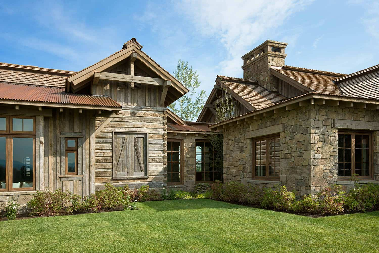 residence-rustic-exterior