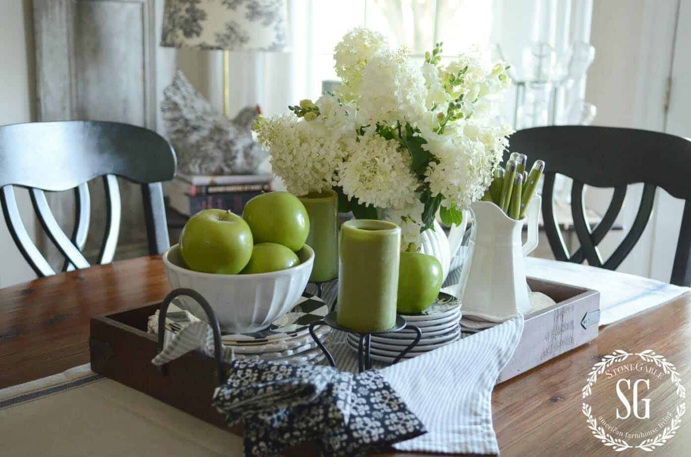 cozy-fall-decorated-dining-table