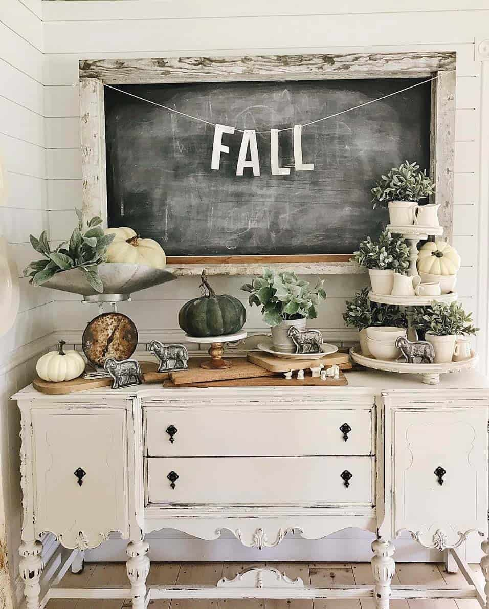 cozy-fall-decorated-console-table