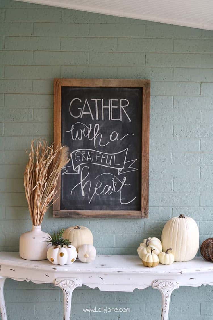 cozy-fall-decorated-entryway
