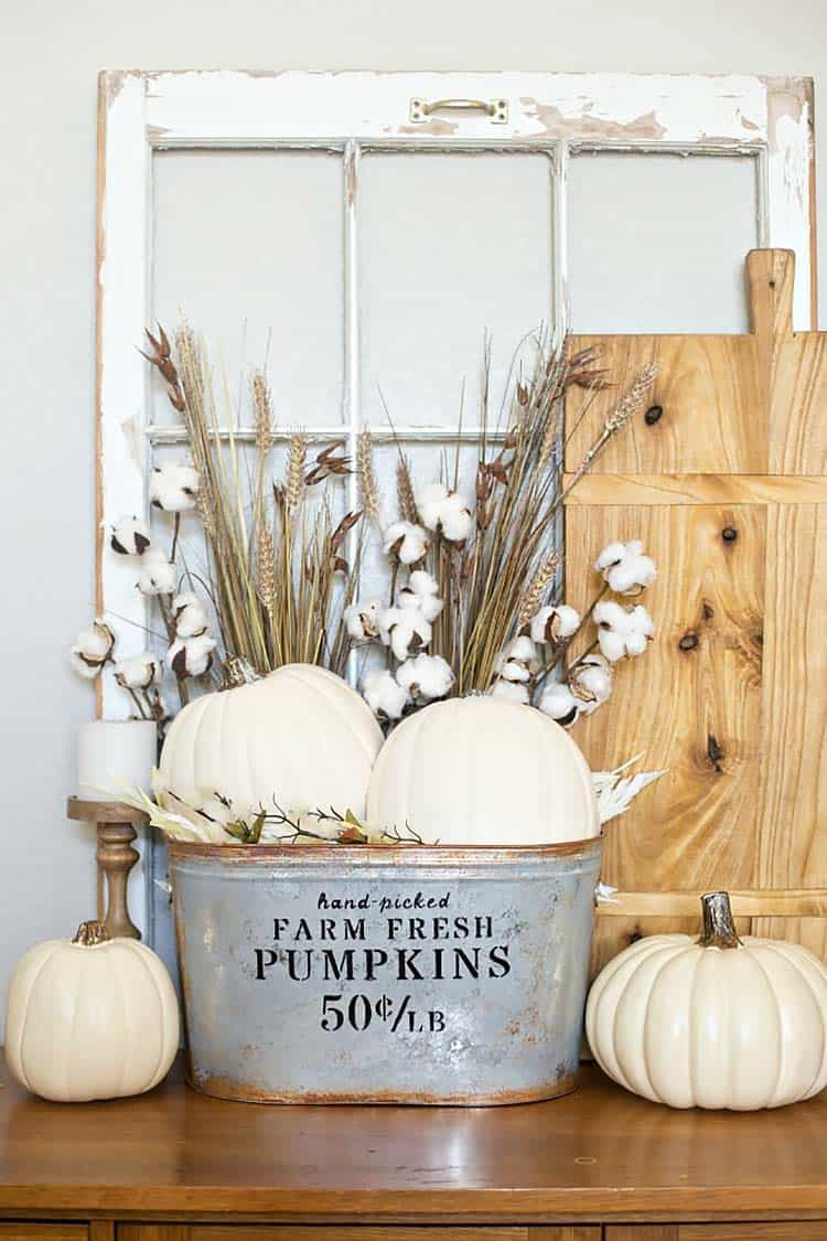 farmhouse-pumpkin-bucket